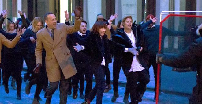 Novo clipe de Carly Rae Jepsen terá Justin Bieber e Tom Hanks!