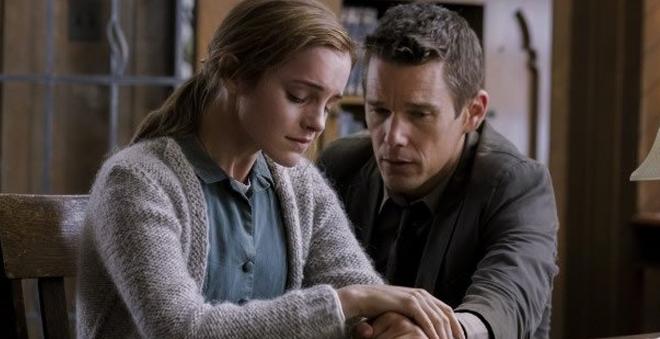 "Assista ao trailer de ""Regression"", novo suspense estrelado por Emma Watson"
