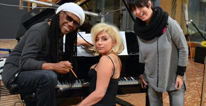 """Ouça a nova música da Lady Gaga para o documentário """"The Hunting Ground"""""""