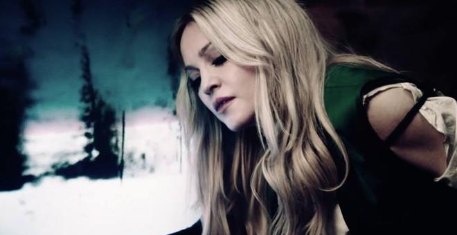 """Madonna em cenário pós-apocalíptico no clipe de """"Ghosttown"""""""