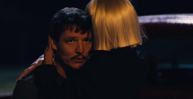 """Assista """"Fire Meet Gasoline"""", novo clipe da Sia com participação de Heidi Klum e Pedro Pascal"""