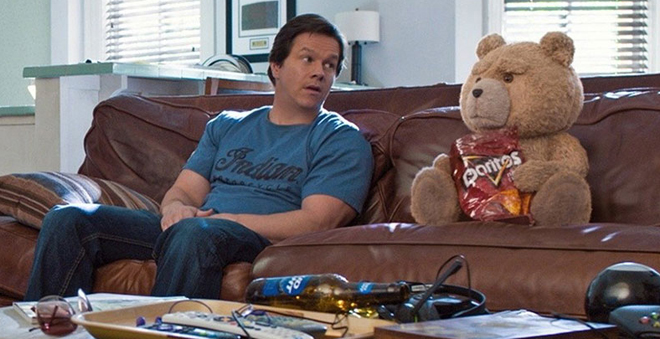 "Assista ao novo trailer de ""Ted 2"", com Mark Wahlberg e Amanda Seyfried"