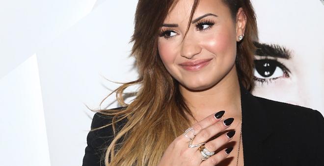 Demi Lovato lançará jogo para smartphones e radialista revela detalhes sobre novo single!