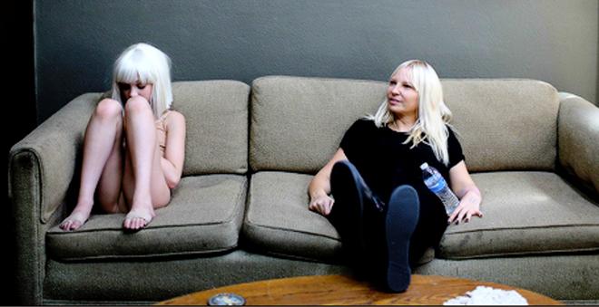 Ouça Alive, carro-chefe do novo álbum da australiana Sia!