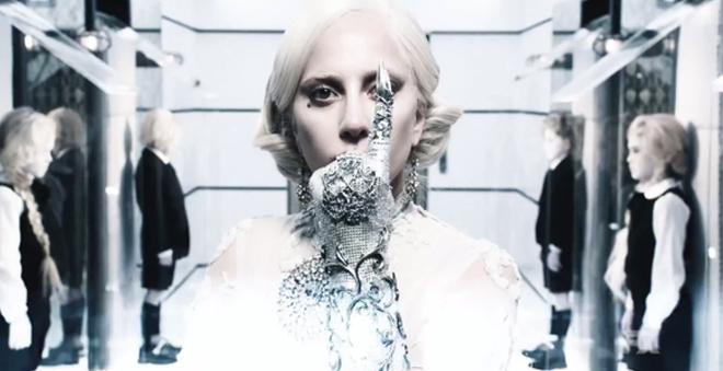 """Lady Gaga como Condessa Elizabeth em novo teaser de """"American Horror Story: Hotel"""""""