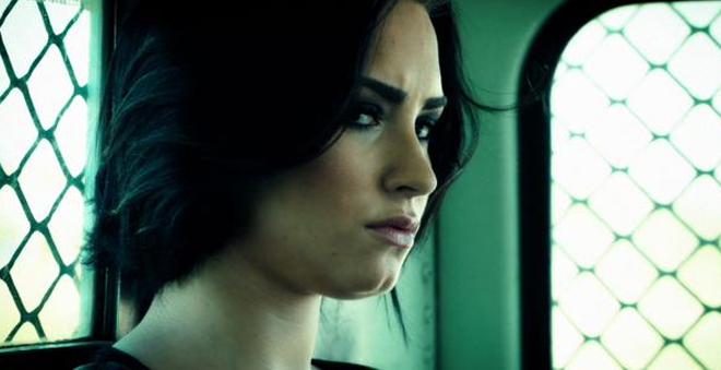 """Veja """"Confident"""", novo clipe da Demi Lovato dirigido pelo incrível Robert Rodriguez"""