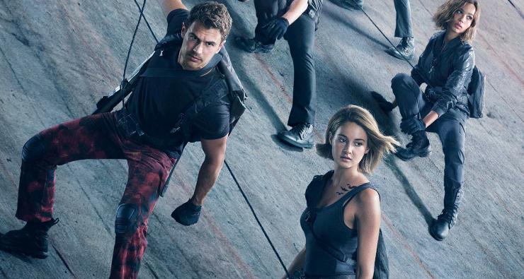 """Trailer completo de """"Convergente"""" revela que a vida de Tris ainda está em risco além dos muros"""