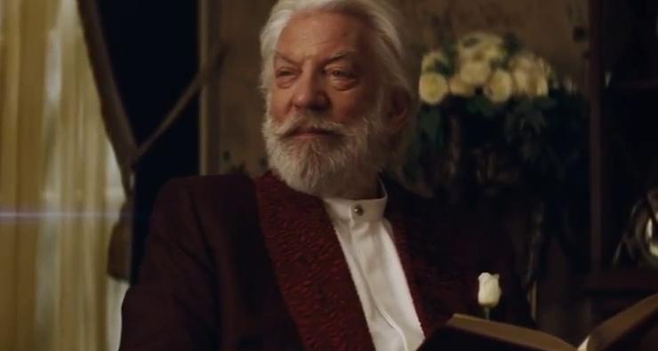 """Snow 'ama' Katniss Everdeen"", diz Donald Sutherland, de 'Jogos Vorazes'"