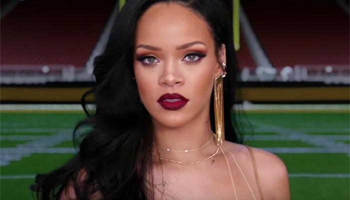 Estão dizendo por aí que Rihanna cancelou show no Grammy por estar nervosa… Será?