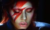 Lady Gaga faz INCRÍVEL homenagem a David Bowie no Grammy 2016; assista!