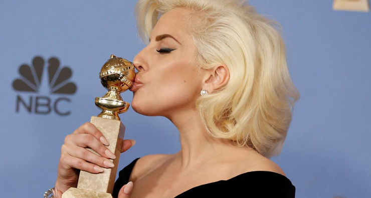 Com performance no Grammy, no Oscar e no Super Bowl, Lady Gaga confirma que 2016 é dela!