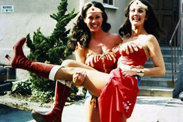 9-behind-the-scenes-images-of-actors-alongside-their-bad-ass-stunt-doubles-891775