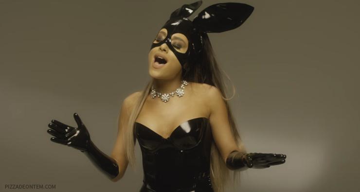 """Ariana Grande divulga vídeo cantando """"Dangerous Woman"""" inteira a cappella"""