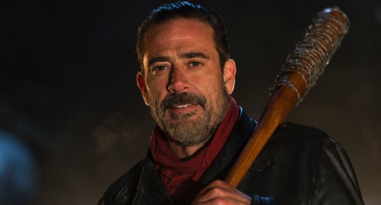 """Produtor de """"The Walking Dead"""" revela quem Negan matou, mas será que é verdade mesmo?"""
