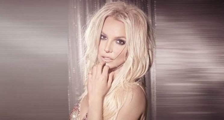 Britney Spears lança novo perfume com sua essência de café favorita