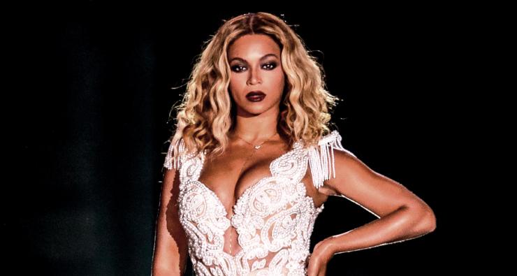 """[VÍDEO] Beyoncé espirra durante show e o estádio inteiro grita """"saúde"""""""