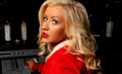 """Christina Aguilera libera nova musica emocionante. Ouça """"Change"""""""