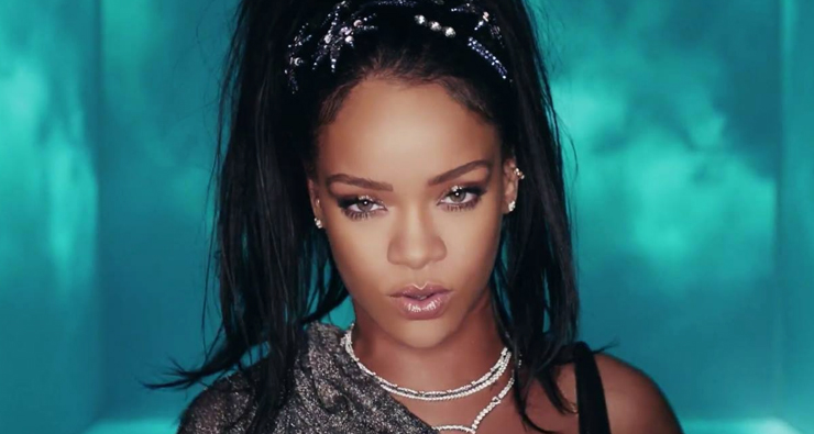 "Rihanna curte uma balada com Calvin Harris no clipe de ""This Is What You Came For""; assista!"