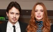 Vídeo mostra Lindsay Lohan e noivo discutindo na sacada de sua casa após atriz descobrir traição