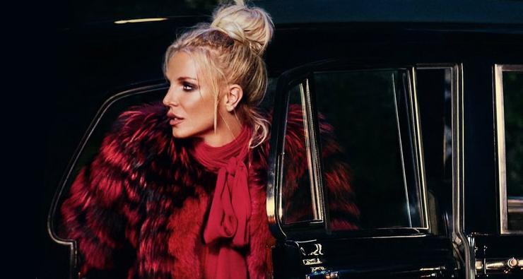 """Ouça a nova versão de """"Slumber Party"""" da Britney Spears com participação de Tinashe"""
