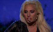 """AMA 2016: Lady Gaga faz apresentação emocionante de """"Million Reasons"""""""