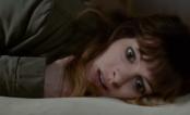 """Anne Hathaway controlando um monstro enorme e bizarro no trailer de """"Colossal"""""""
