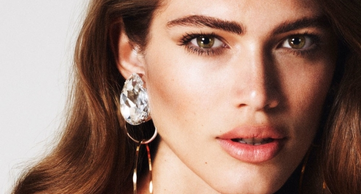 Conheça Valentina Sampaio, modelo brasileira que está arrasando na capa da Vogue Paris!
