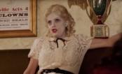 """Novo teaser de """"Feud: Bette and Joan"""" tem Bette Davis chutando a cabeça de Joan Crawford"""