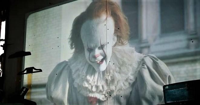 """Pennywise e seu balão estão de volta! Assista o primeiro trailer aterrorizante de """"IT: A Coisa"""""""