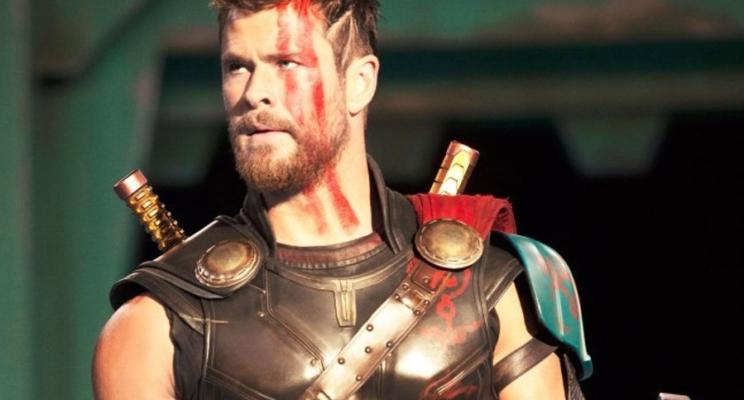 """[VÍDEO] A preparação física de Chris Hemsworth para """"Thor: Ragnarok"""" é muit… QUE HOMÃO!"""