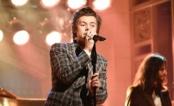 #ProudOfHarry: Tá todo mundo orgulhosinho da apresentação solo do Harry Styles no SNL!