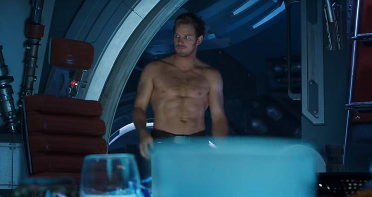 """Saiu um novo teaser de """"Guardiões da Galáxia 2"""" e só temos olhos para o Chris Pratt sem camisa!"""