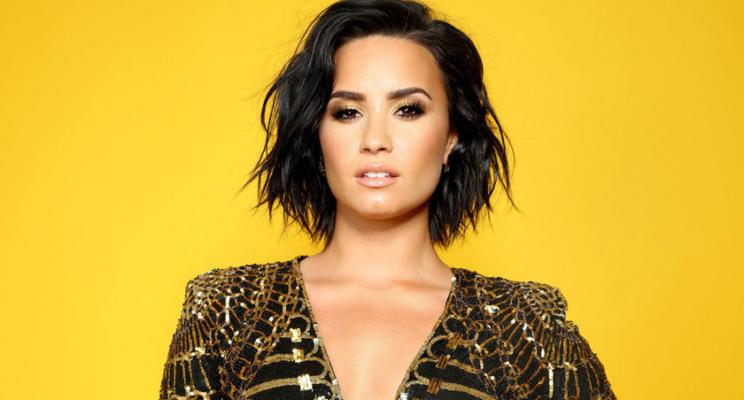 Demi Lovato sofreu overdose após festa que durou a noite toda em sua casa, diz TMZ