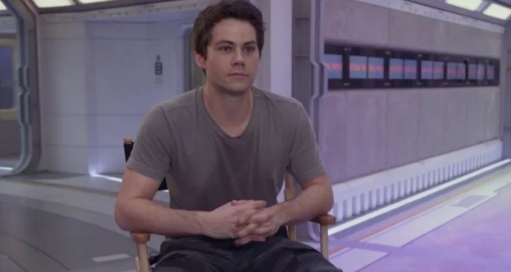 "Dylan O'Brien mostra os bastidores de ""Maze Runner: A Cura Mortal"" no MTV Movie & TV Awards"