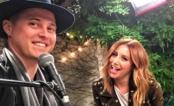 "Ashley Tisdale e Lucas Grabeel cantam juntos dez anos após ""High School Musical""; vem ver!"
