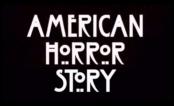 """A 7ª temporada de """"AHS"""" já ganhou título e dois teasers cheios de palhaços macabros!"""