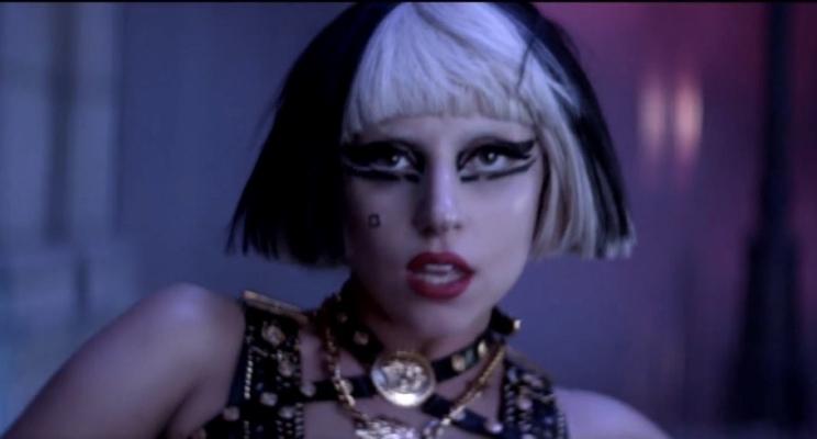 """Seis anos depois, Lady Gaga conta sobre sua briga com diretor nos bastidores de """"The Edge of Glory"""""""
