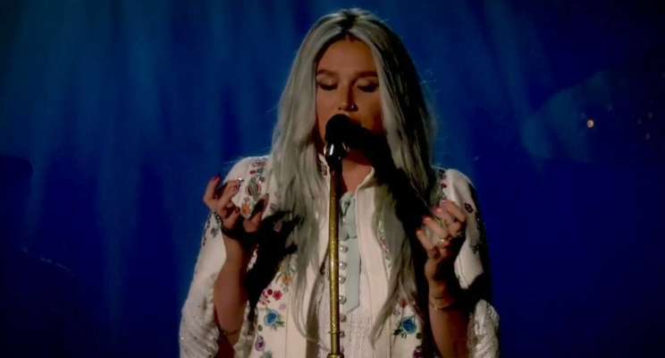 Kesha anuncia as datas de sua nova turnê!