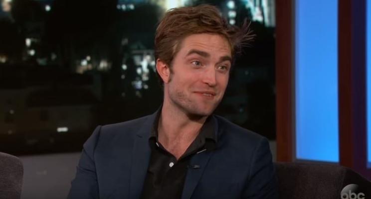Robert Pattinson achou que seria legal inventar história de que masturbaria cachorro em filme…