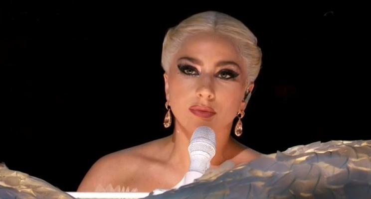 """Grammy 2018: Lady Gaga emociona em apresentação cantando """"Joanne"""" e """"Million Reasons"""""""