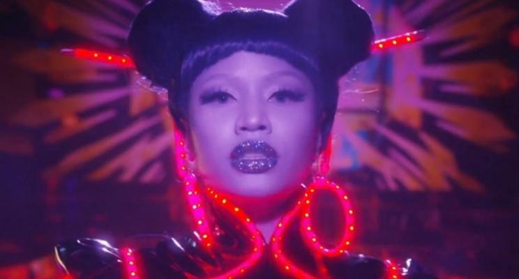 """Nicki Minaj lança os clipes das músicas """"Barbie Tingz"""" e """"Chun-Li""""; vem ver!"""